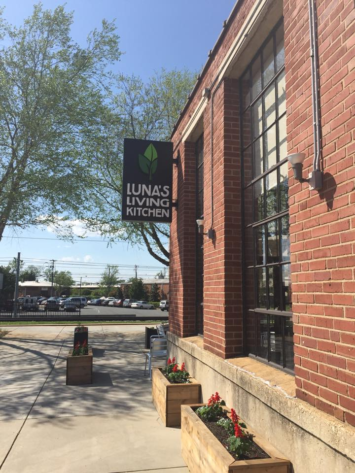 Review: Luna's Living Kitchen